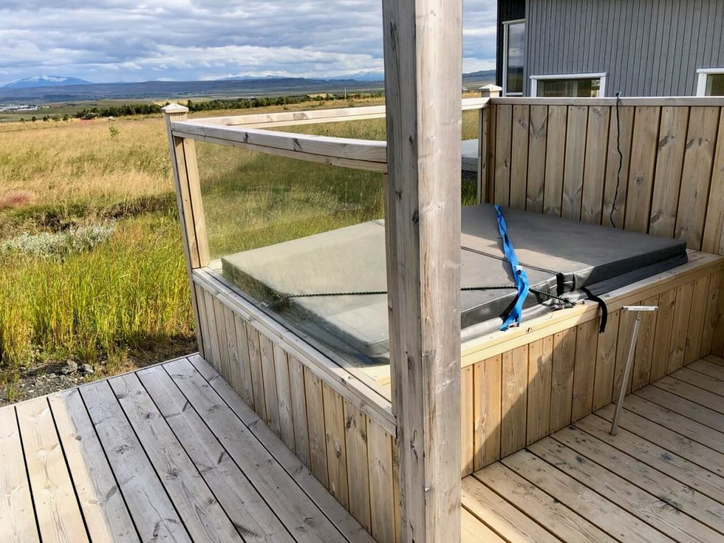 Blue View Cabins Hot Tube